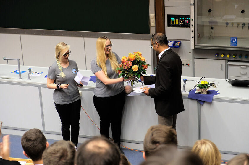 Student's Prize for Teaching awarded to Prof. De Souza